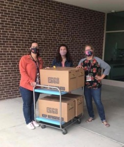School social workers Lindsay Knepp, MSW, LSW, and elemetary school social worker, Amanda Musser, MSW, LCSW, and food services director Maria Kreider have been delivering food to school children throughout the pandemic in Pennsylvania.