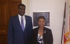 NASW CEO Angelo McClain visited the office of Rep. Barbara Lee (D-CA) on Oct. 8, 2015 to thank her for introducing the legislation.