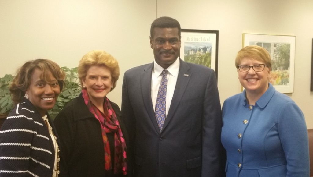 Sen. Debbie Stabenow (second from left) meets with (from left) NASW Deputy Director of Programs Heidi McIntosh, NASW CEO Angelo McClain, and Julie Shroyer, senior policy adviser at Polsinelli PC, soon after introducing the Improving Access to Mental Health Act of 2015 in the Senate.